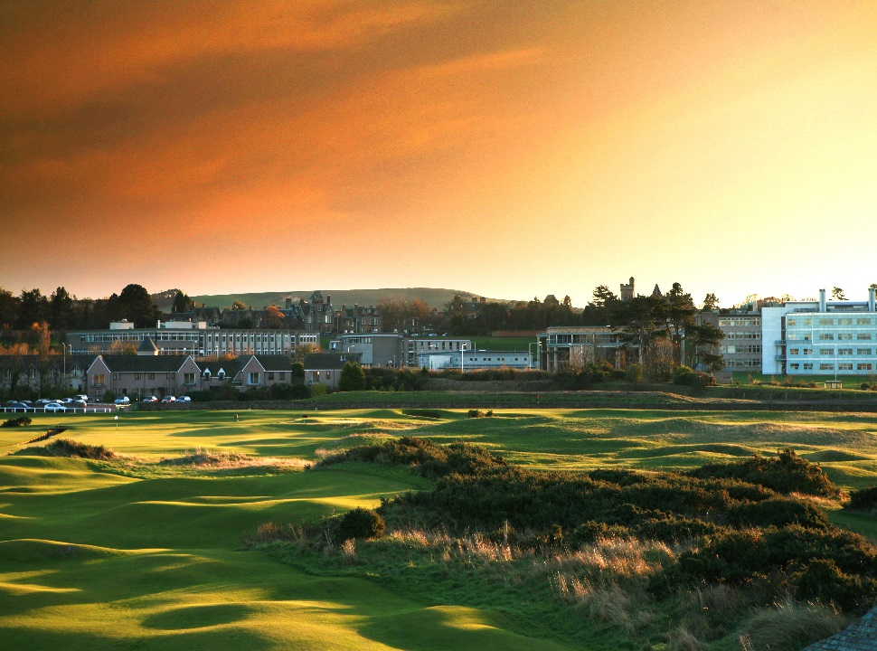 St-Andrews-17th-and-town970 18 Holes 5 Stars